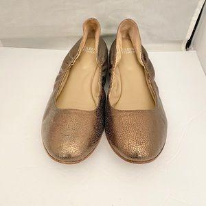 Eileen Fisher Kind2 cushioned metallic flat shoe 9